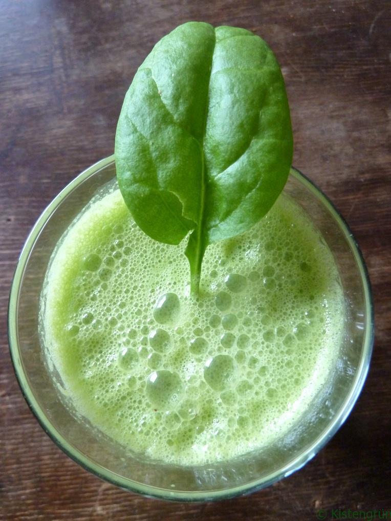 Spinat-Smoothie im Glas